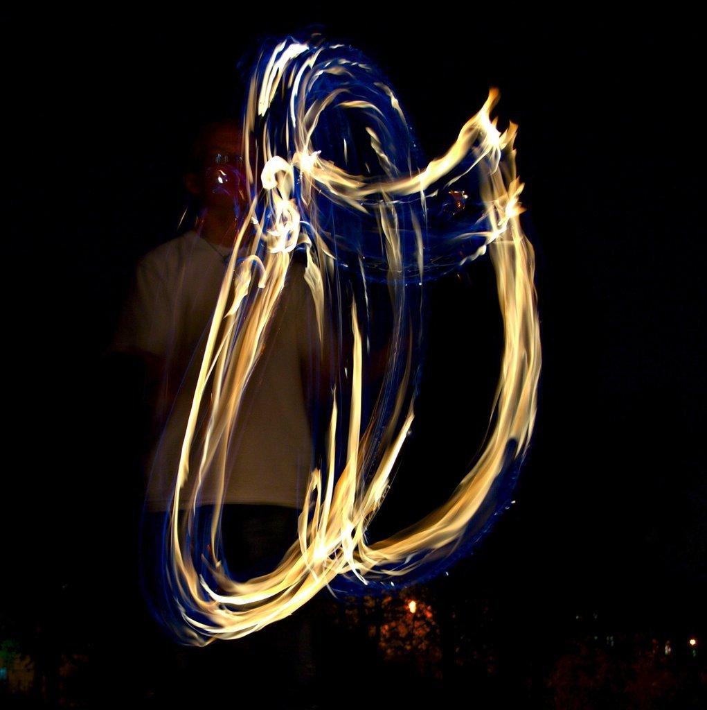 Feuerjongleur im Alaunpark