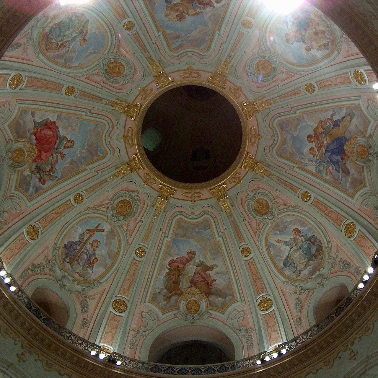 Blick in die Kuppel der Frauenkirche in Dresden